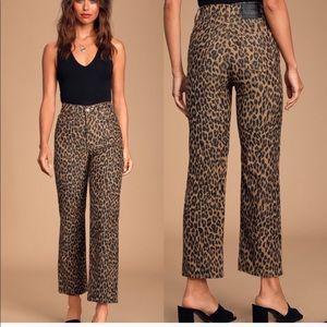 Levi's Ribcage Leopard Straight Leg Cropped Pants